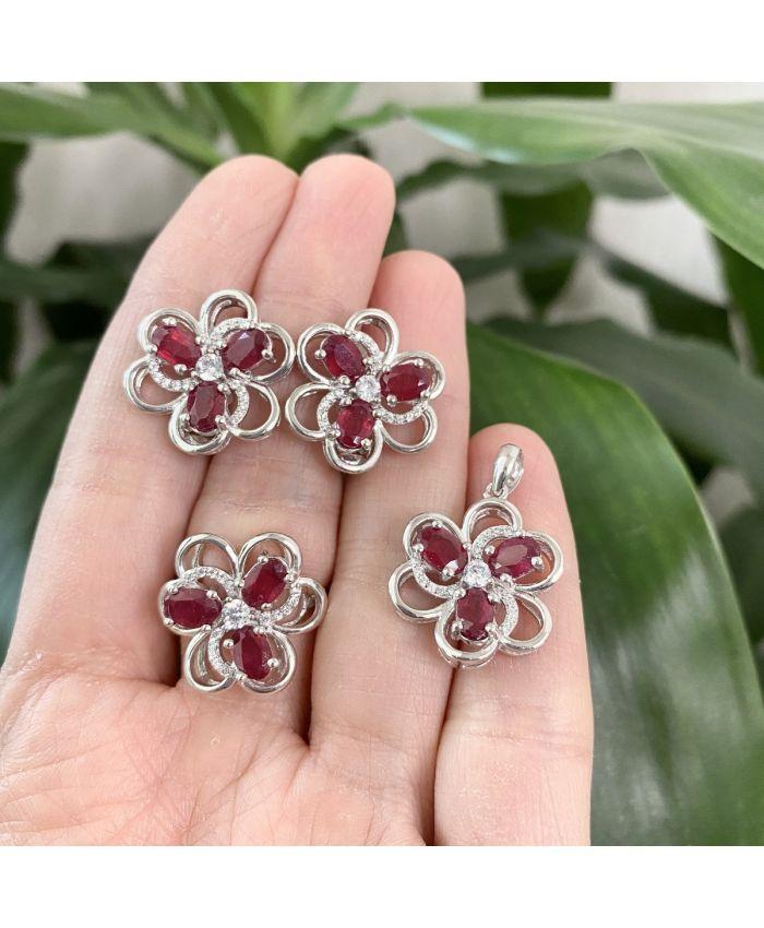 Серебряные кольцо, серьги и подвеска с рубином, 20x20мм