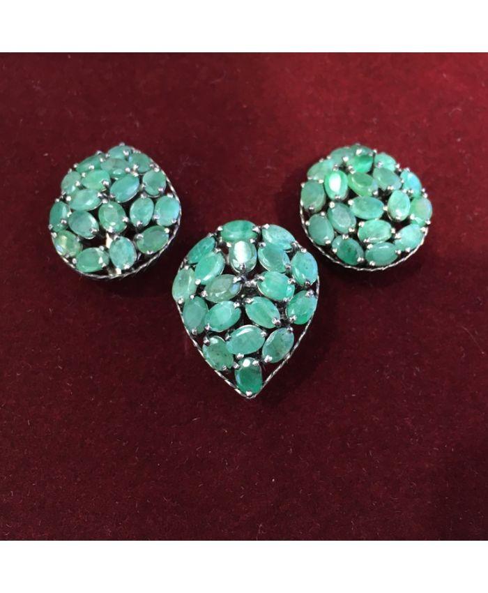 Ювелирные украшения с изумрудом в серебре