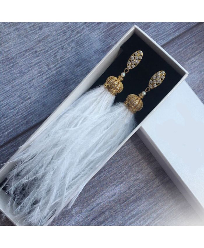 Серьги из перьев белые и ювелирной фурнитуры
