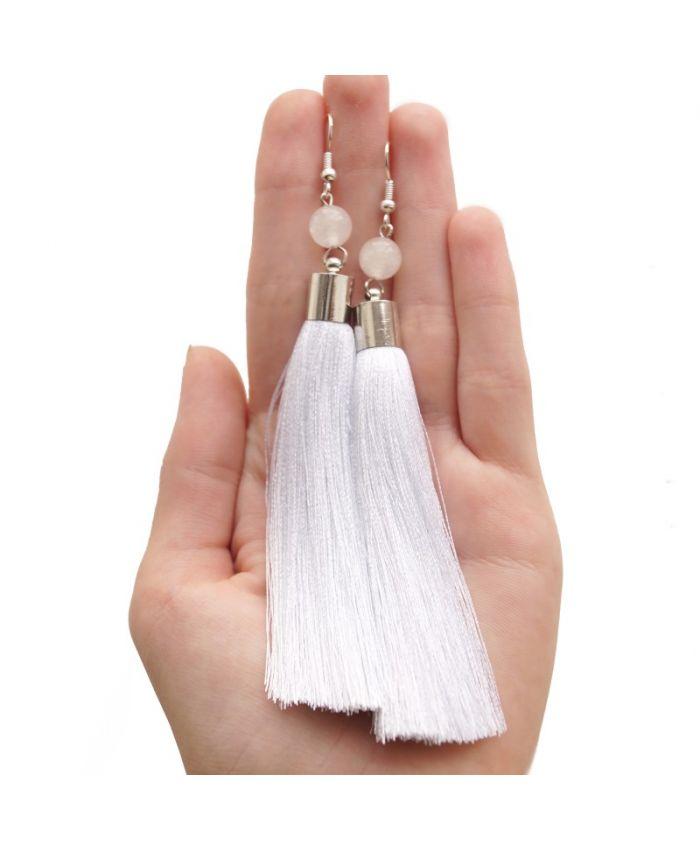 Белые серьги кисточки, 12см. Шелк, купол, оникс, посеребренные швензы.