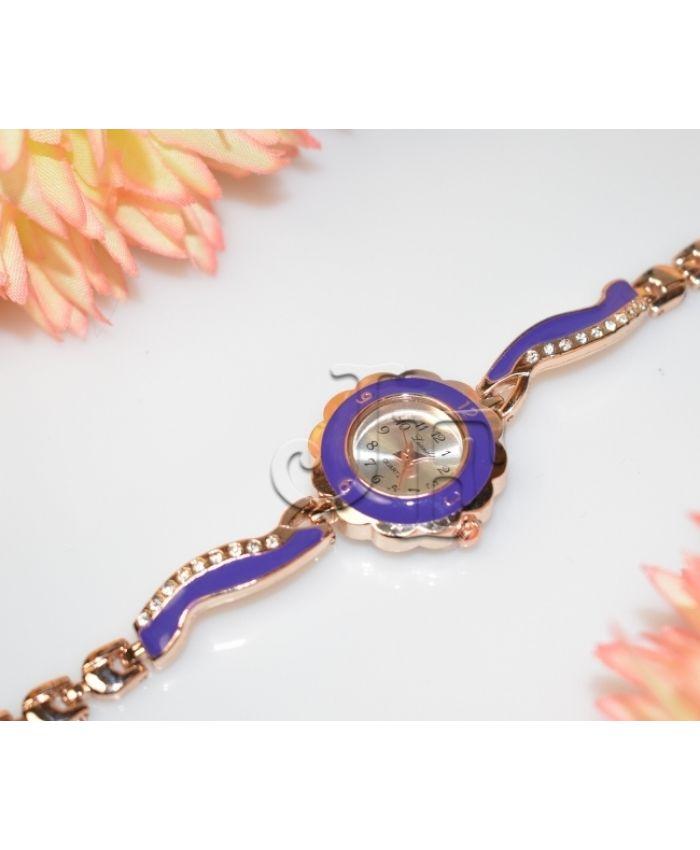 Фиолетовые часы кварцевые длина 19см