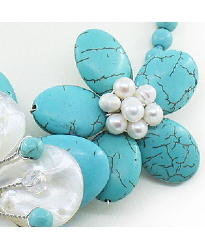 "Колье перламутр белый и бирюза голубая ""Фиалки"", 3х цветка, короткое 50см"