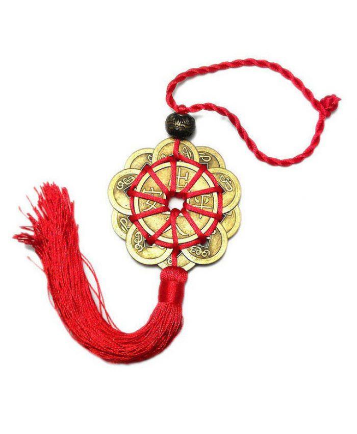 Красный китайский узел из 10 монет